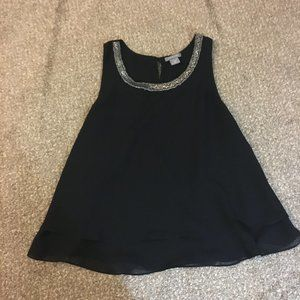 Black tank top blouse with design